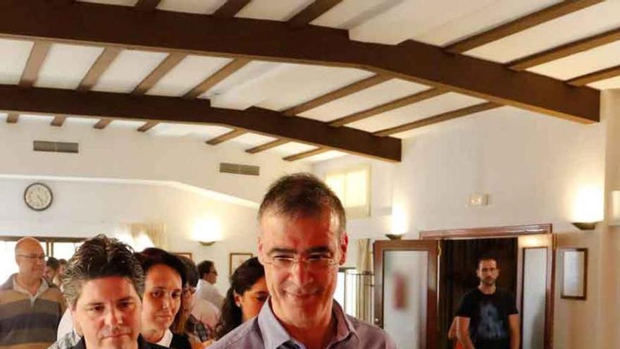 Alberto de la Fuente se impone en las elecciones de La Borriquita