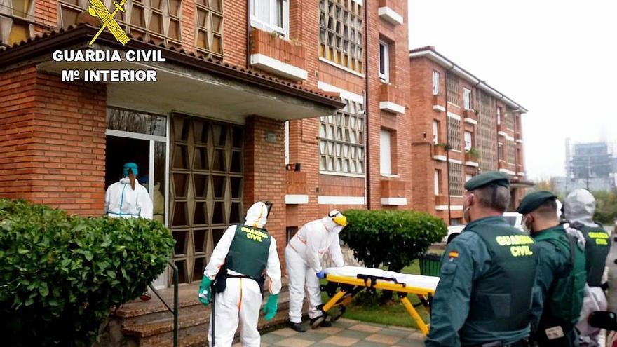 La Guardia Civil obliga a ir al hospital a un positivo por COVID en La Robla (León)