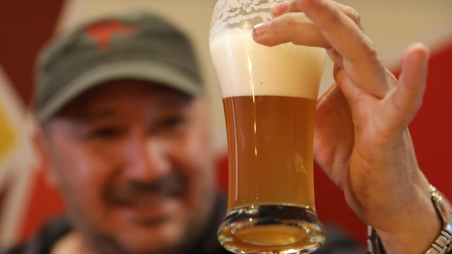 Esta es la cerveza que solo se puede probar este verano y sabe a cilantro