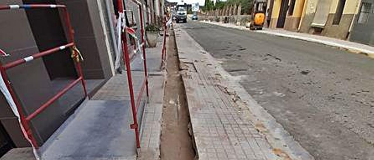 Las obras en Llocnou de Sant Jeroni.   LEVANTE-EMV