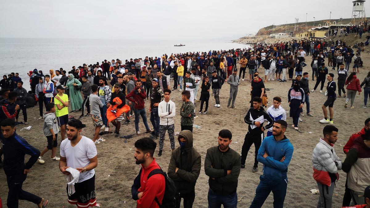 Cientos de migrantes han llegado a Ceuta desde Marruecos