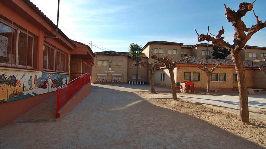 Alzira escolariza a una decena de alumnos en el colegio más lejano