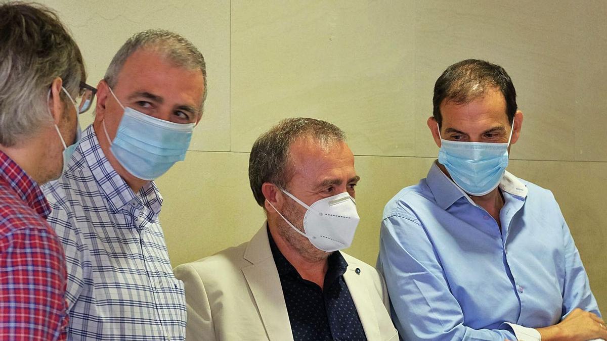 Francisco Tornel junto con sus consejeros.  twitter rm | L.O.