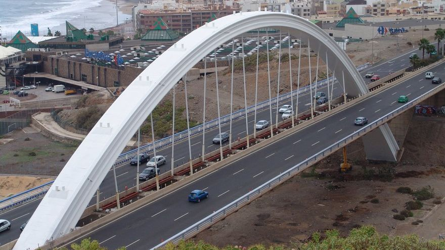 Grave al sufrir un accidente de tráfico en Las Palmas de Gran Canaria