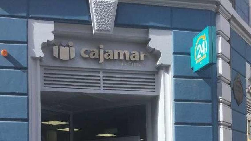 Cajamar amplía sus servicios