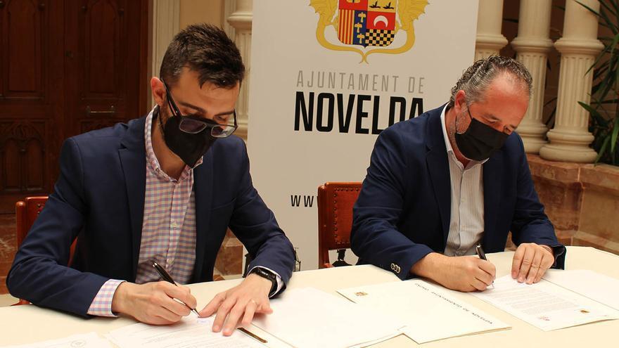 Novelda renueva el convenio de colaboración con Cáritas