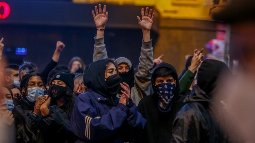 """Podemos critica que """"el poder pone el foco en los disturbios para que se deje de debatir el problema"""""""