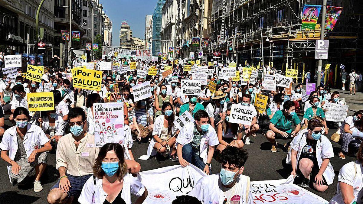Los MIR de Madrid y Comunidad Valenciana, en pie de guerra