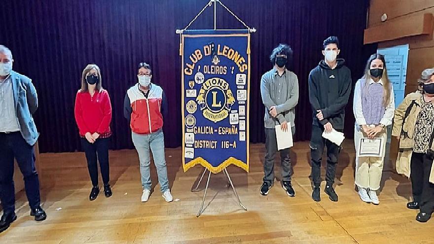 El Club de Leones entrega tres becas universitarias