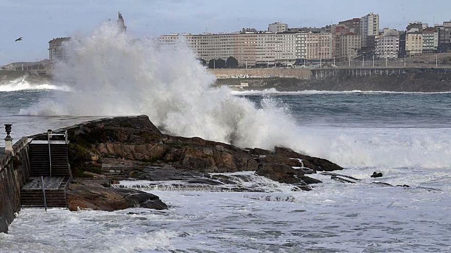 Un nuevo frente dejará alerta roja en el mar y vientos de más de 100 km/h en tierra