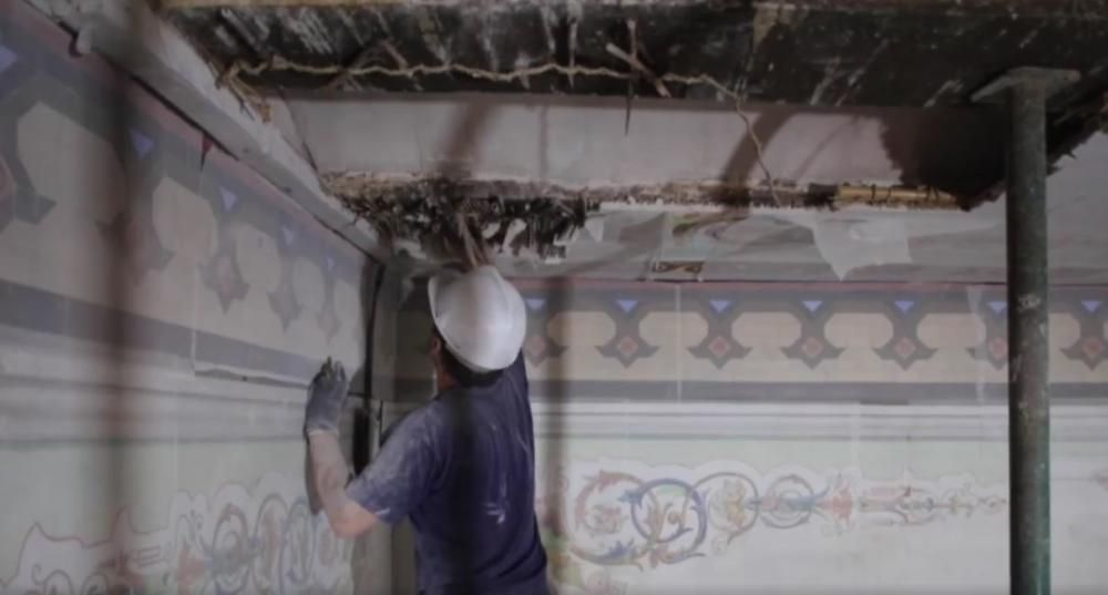 Restauración de yeserías decorativas.