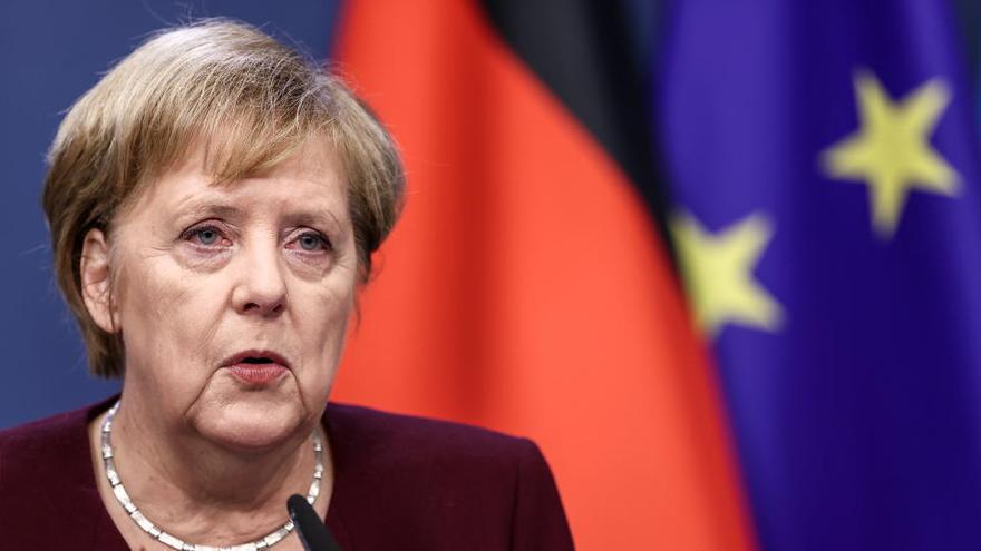 """Merkel: """"Tenemos que prepararnos por si no hay pacto"""" para el Brexit"""
