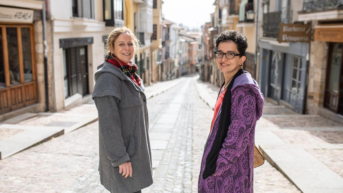 Sylvaine de Tourdonnet y Clara Ponte, fundadoras de la editorial Salto al Vacío.
