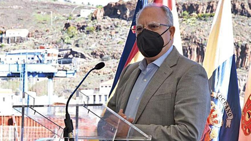 Curbelo destaca el firme compromiso del Cabildo  con autónomos y pymes