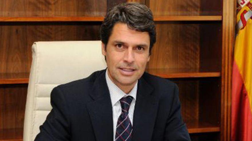 Hernández  Bento critica la colocación de una valla en la rampa de La Puntilla
