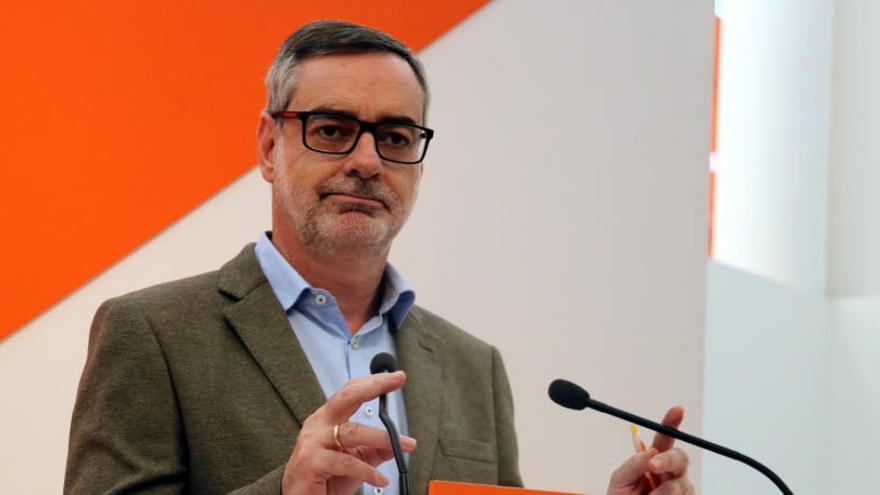 Cs demana al PSOE que retiri la moció per negociar-ne una altra només per convocar eleccions