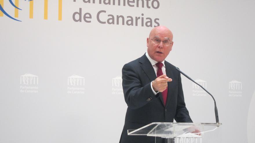 Yanes insta a aumentar el número de inspectores en los centros de mayores de Canarias