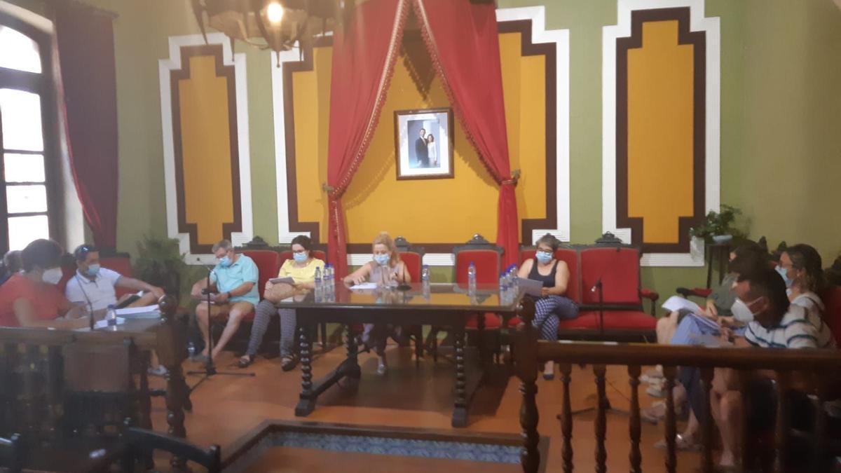 Cabanes aprueba por unanimidad las alegaciones al expediente de Torre de la Sal