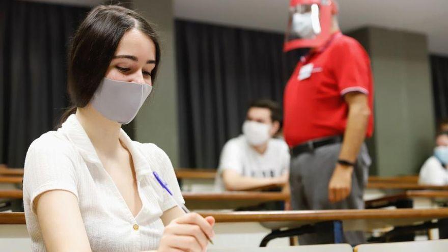 UMU y CRUE piden una EBAU presencial y segura para estudiantes, profesorado y personal administrativo