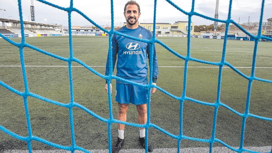 Canario: «Hubo momentos en los que pensé en dejar el fútbol, pero la tontería se me fue rápido»