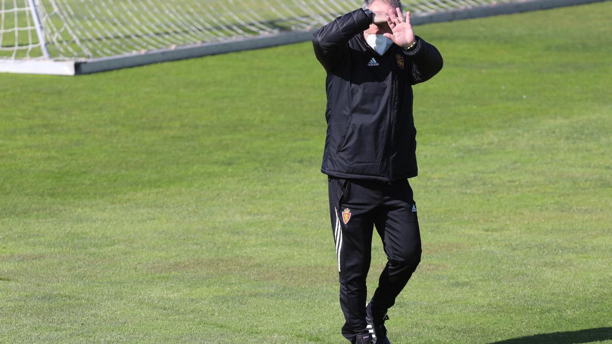 Juan Ignacio Martínez hace un gesto durante un entrenamiento.