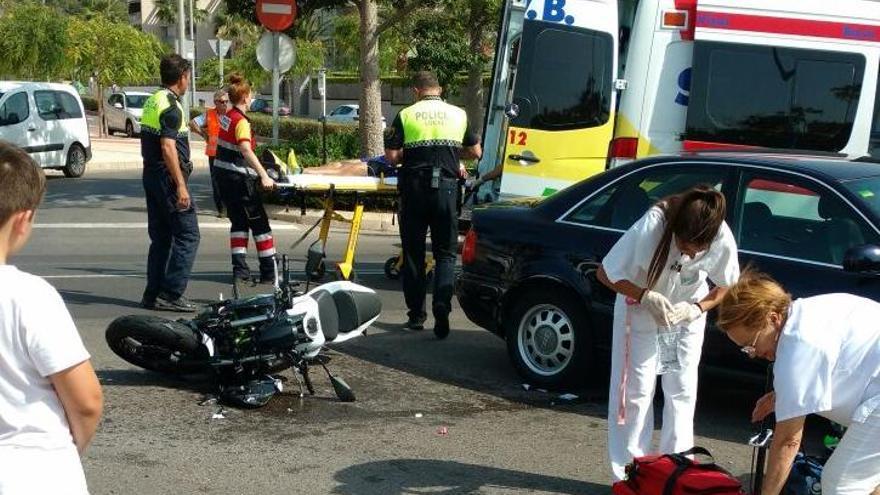 Un motorista herido tras colisionar con un turismo en Benicàssim