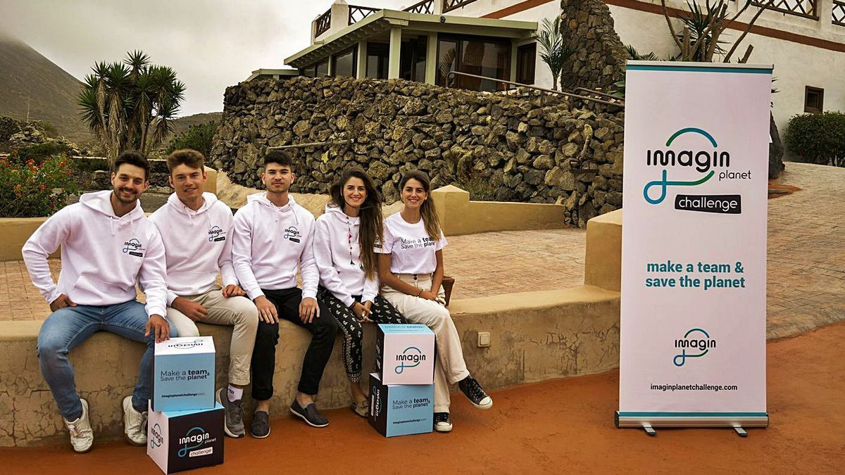 Los integrantes de eCoDeliver y Kidalos están incubando los proyectos durante el mes de julio en un ecolab en Lanzarote.
