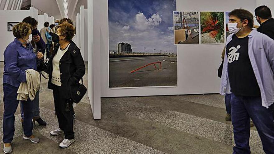 Trece fotógrafos muestran su visión de la Comunidad en Alcoy