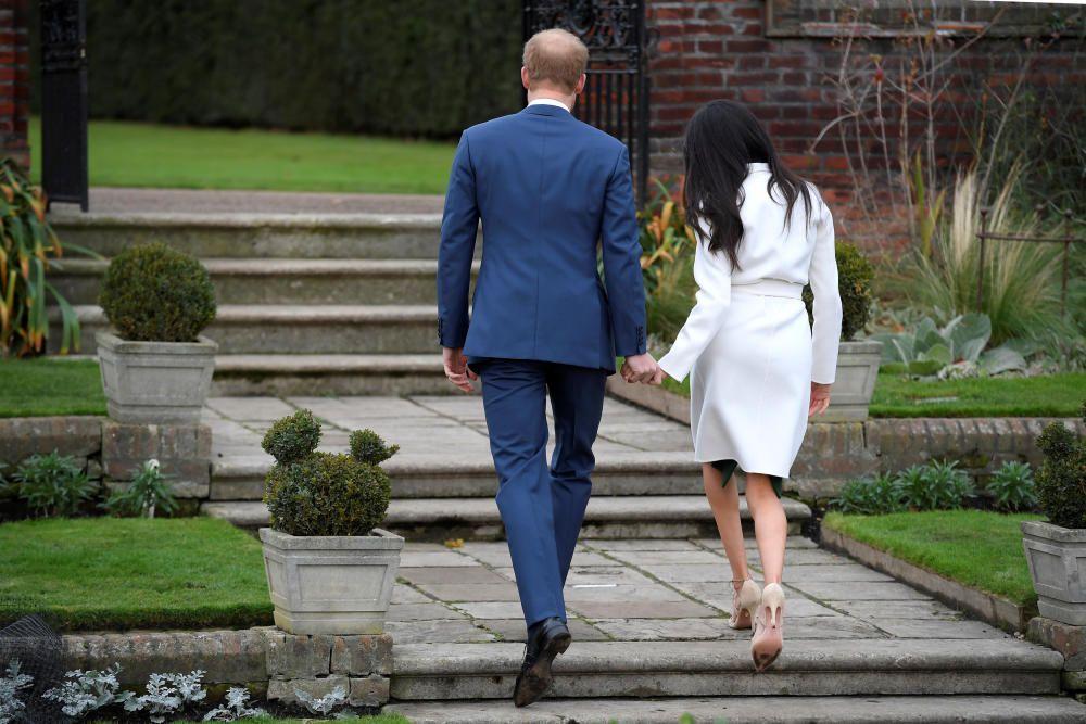 El príncipe Enrique de Inglaterra y Meghan Markle anuncian su compromiso
