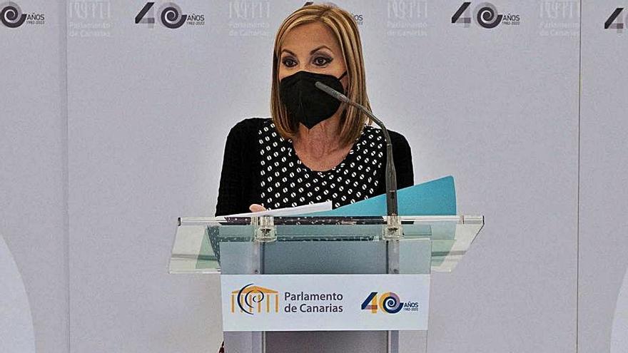 """Australia Navarro: """"Canarias necesita un gobierno más eficaz y autocrítico"""""""