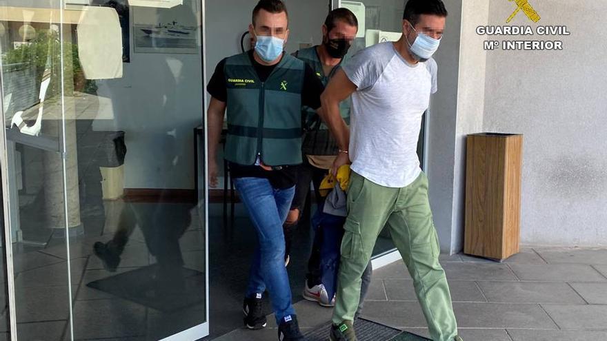 Detenido en Elche por simular un romance durante dos años y estafar 253.000 euros a su novio