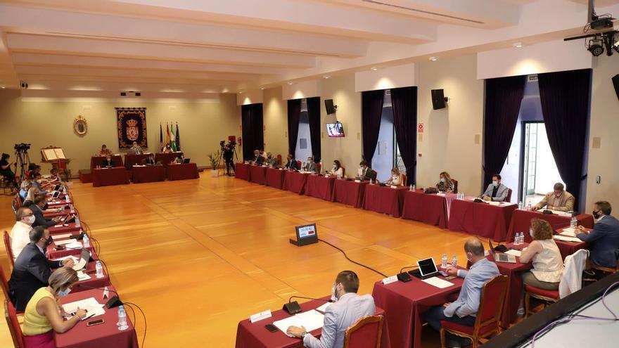 La Diputación de Córdoba saca adelante la modificación de la relación de puestos de trabajo con la abstención del PP