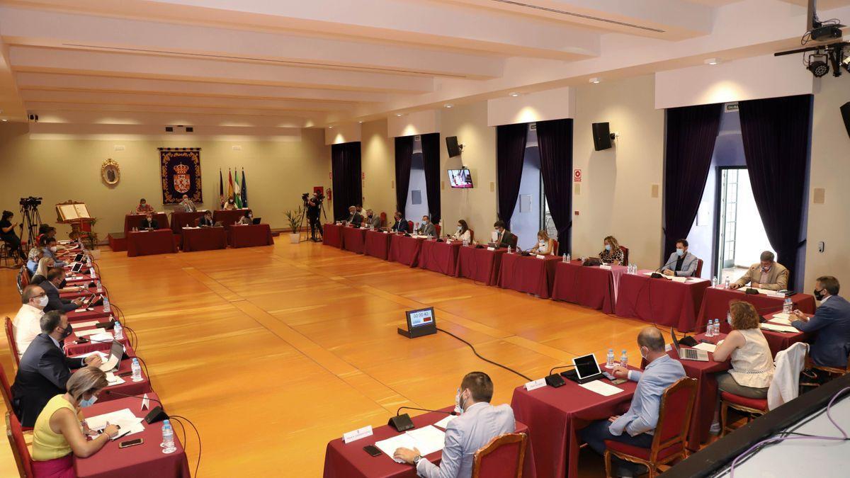 Imagen de archivo de un pleno de la Diputación.