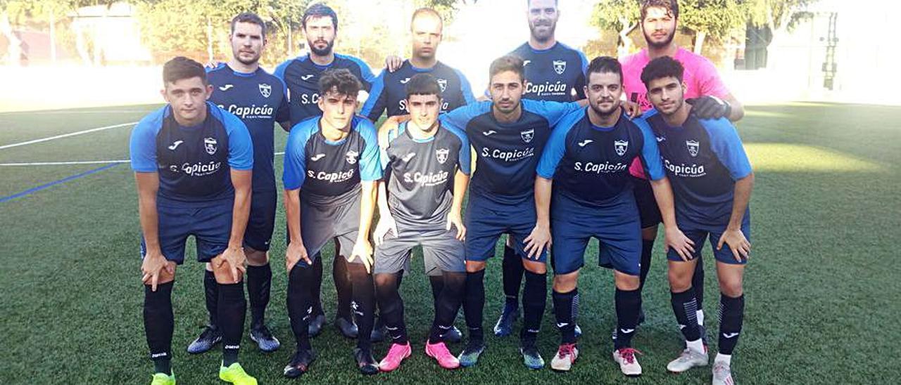 Equipo titular del Athletic la Vall CF el pasaso domingo. | JOSÉ JUAN