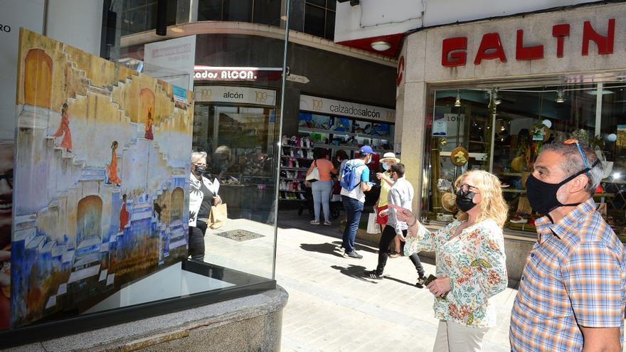 La calle Talavera de Plasencia, museo al aire libre con un fin solidario