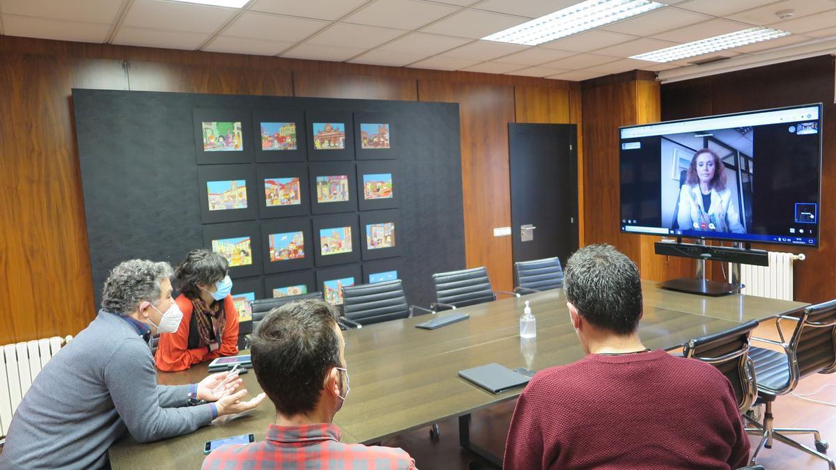 El alcalde mantuvo una reunión telemática con la con la subdirectora general de Políticas Urbanas del Ministerio de Transportes, Movilidad y Agenda Urbana