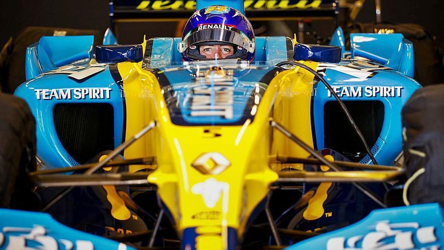 Fernando Alonso vuelve a pilotar el monoplaza de su primer Mundial