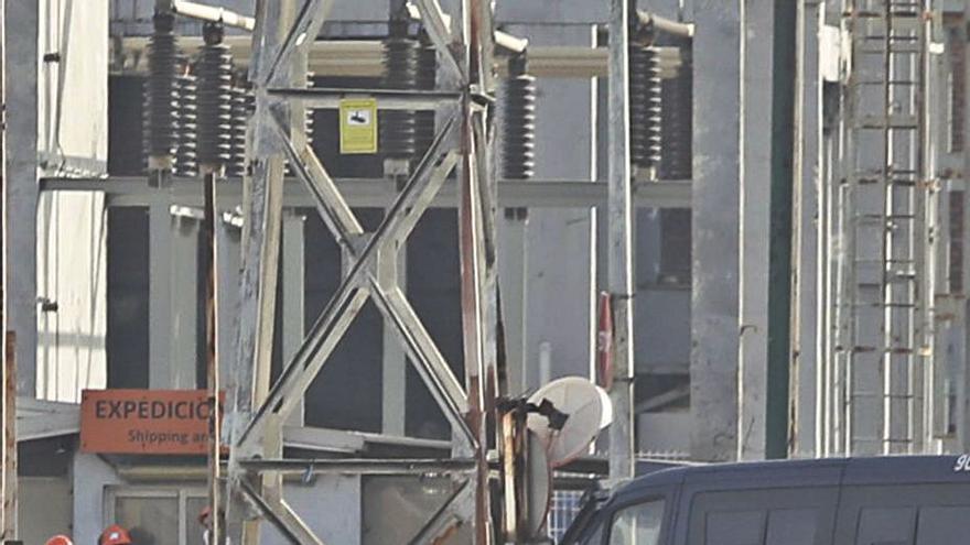 El Gobierno avala su entrada en el 'caso Alcoa' para rescatar subvenciones