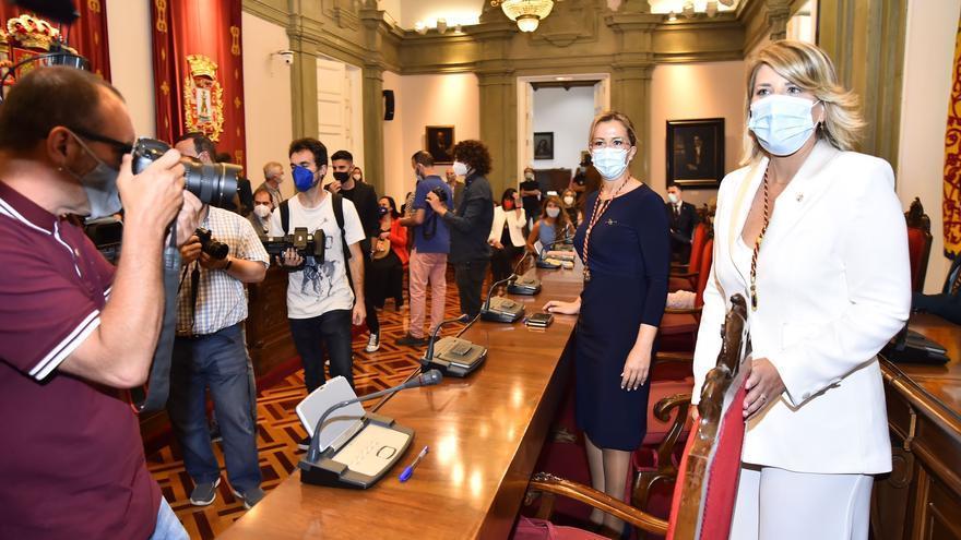 En directo | Arroyo toma el relevo a Castejón en la Alcaldía de Cartagena