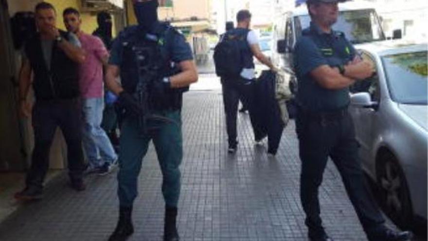 Gewehrkugel trifft Frau beim Sonnenbaden auf Mallorca in den Arm