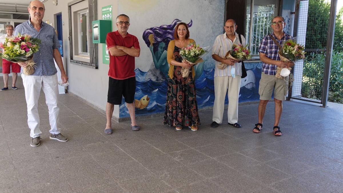 Los cuatro docentes han sido homenajeados por sus compañeros del instituto.