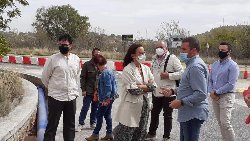 La vicepresidenta de la diputación visita las obras de abastecimiento de agua de Chiva