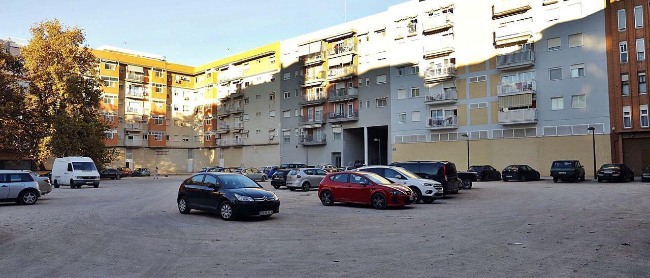 La plaza de Francisco Eximeno es una asignatura pendiente de la urbanización en la ciudad.  | MIGUEL A. MONTESINOS