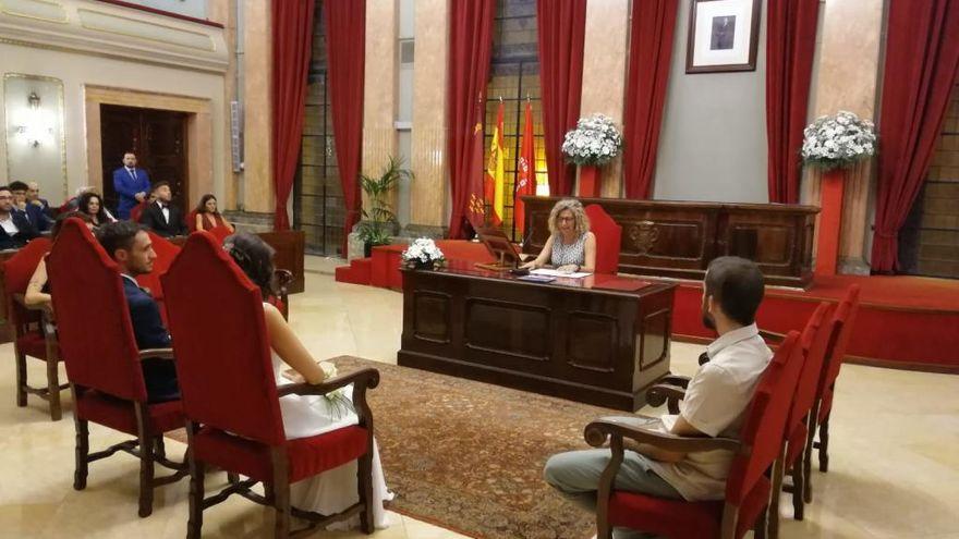 El Ayuntamiento de Murcia amplía a 50 invitados el aforo en bodas civiles