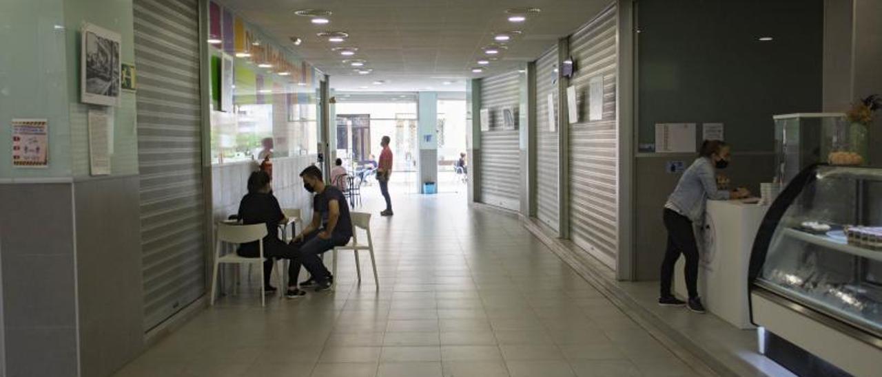 Los establecimientos cerrados del Mercat de la Vila   PERALES IBORRA