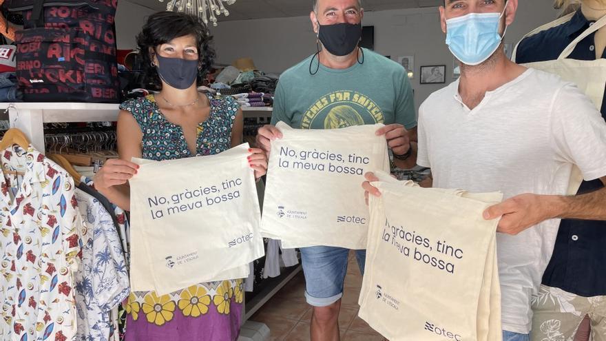 L'Escala redueix l'ús de bosses de plàstic d'un sol ús al comerç