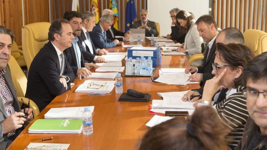 El presupuesto municipal está en manos de la tránsfuga Belmonte y de la asamblea de Guanyar