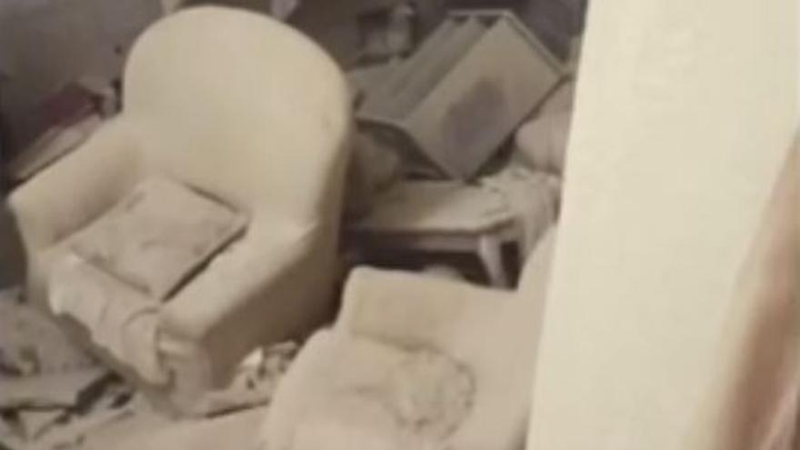 Tres heridos al derrumbarse una casa en Cox