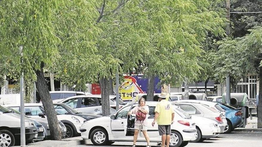 Vecinos de Ciudad Jardín y Poniente reclaman la construcción de un parking junto a la plaza de toros