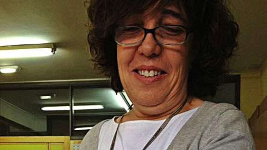 Fallece por covid Adela Fuertes, profesora de Biología en el IES Feijoo